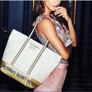 New Victoria's Secret Gold Sparkle Weekender Bag